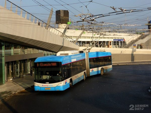 Trolleybus Stationsplein - Job Richter
